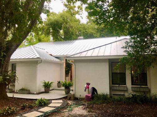Standing Seam Metal Roof Side View Sarasota Fl Zoller Roofing